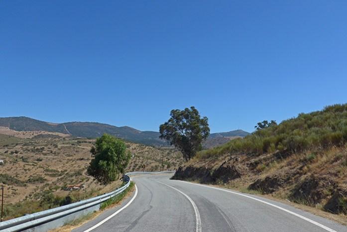 Estrada N221 entre Pinhel e Castelo Rodrigo.