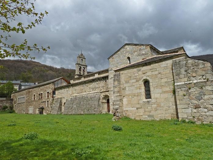 Monasterio de San Martin de Castaneda. Parque Natural do Lago de Sanabria