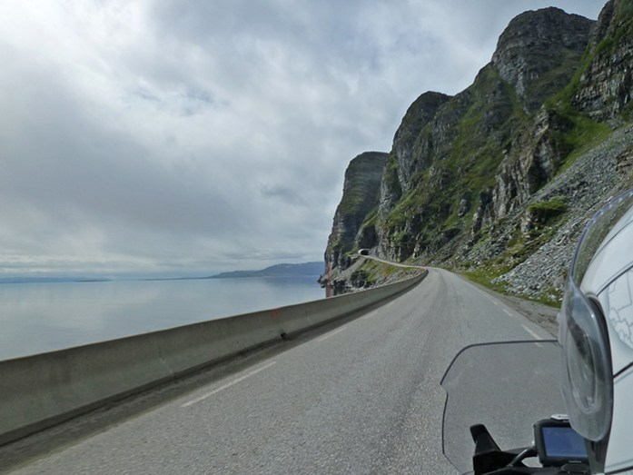Estrada E69. Saída de Honningsvåg - Tromso