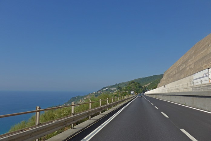Mónaco - Génova pela auto estrada.
