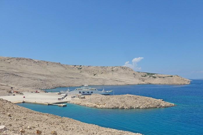 Roteiro pelos Balcãs. Ferry Ilha de Pag - Croácia Continental Estrada N8. Croácia