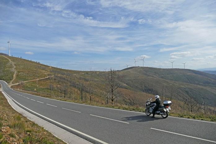 Em redor da Barragem de Santa Luzia, Estrada M547