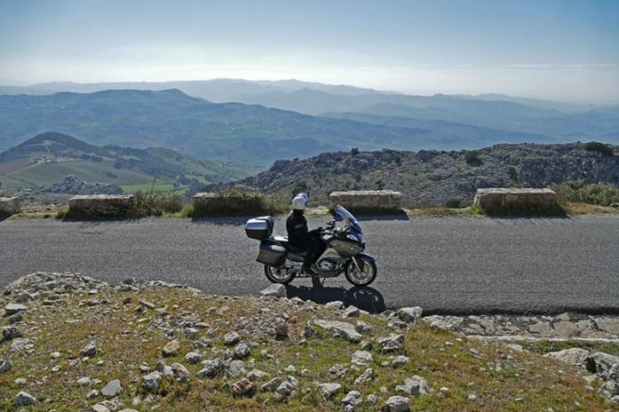 El Torcal de Antequera, Andaluzia, Sul de Espanha. Viagem de mota pela Andaluzia