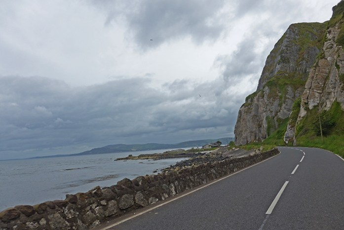 Irlanda do Norte Do livro: ''1001 Drives you must experience before you die'': Antrim Coast