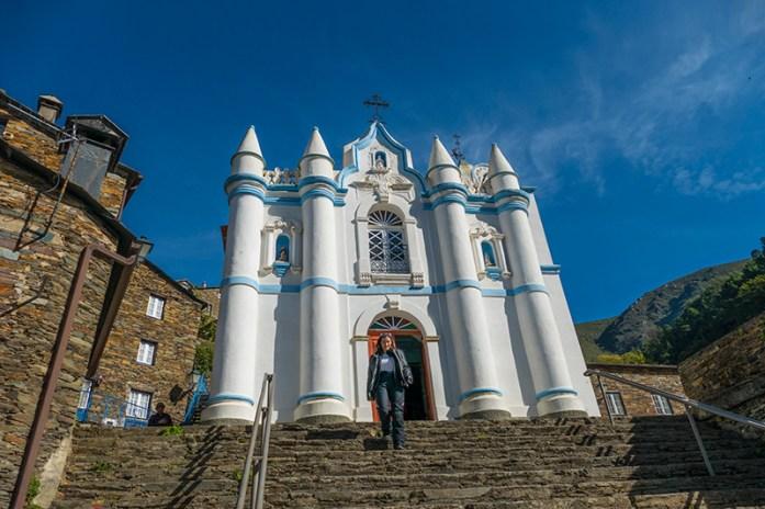 Igreja Matriz na aldeia do Piódão. Serra do Açor