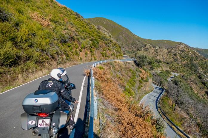 Estrada de acesso ao Mosteiro de San Pedro de Montes