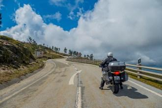 9 percursos panorâmicos para andar de mota no Centro de Portugal