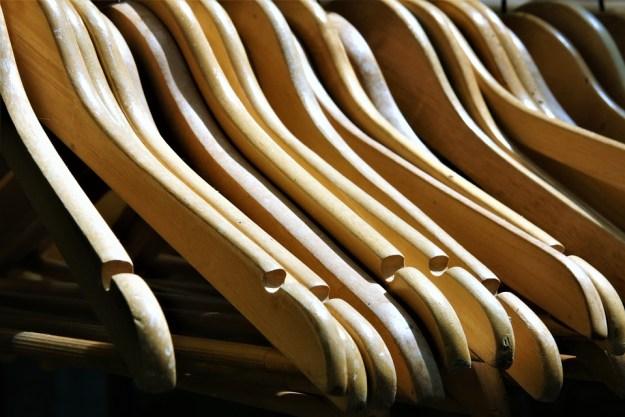 coat-hanger-2555345_960_720