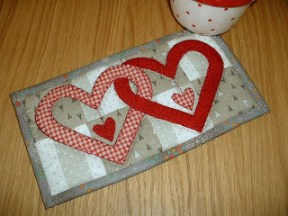Valentine mug rug tips for fusible applique