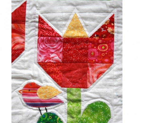 Tulip quilt block closeup