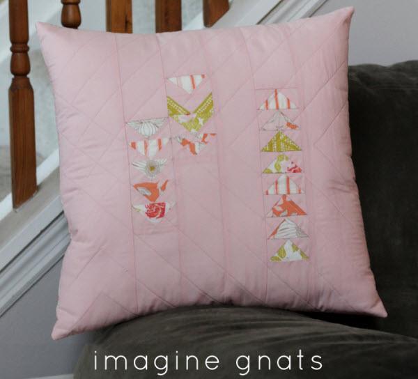 Quilted pillow cover tutorial w zipper enclosure & Tutorial: Quilted pillow cover with zipper \u2013 Quilting pillowsntoast.com