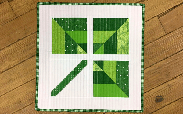 Lucky mini quilt pattern