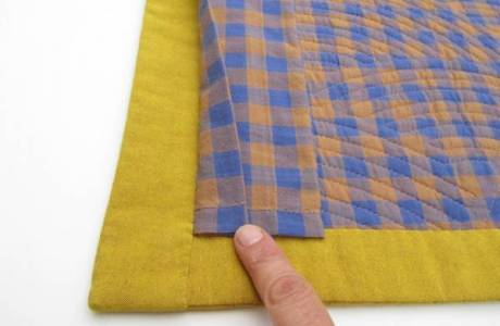 How To Sew In A Hanging Sleeve for your Quilt