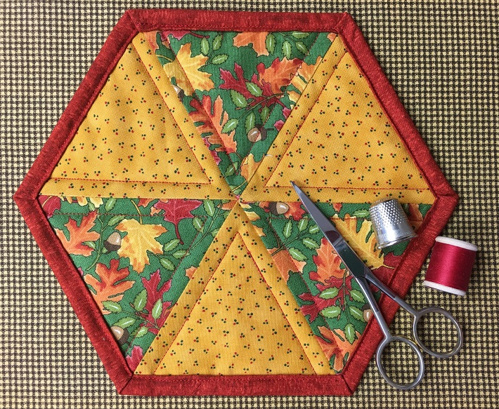 Easy Hexagon Mug Rug And More Quilting Digest