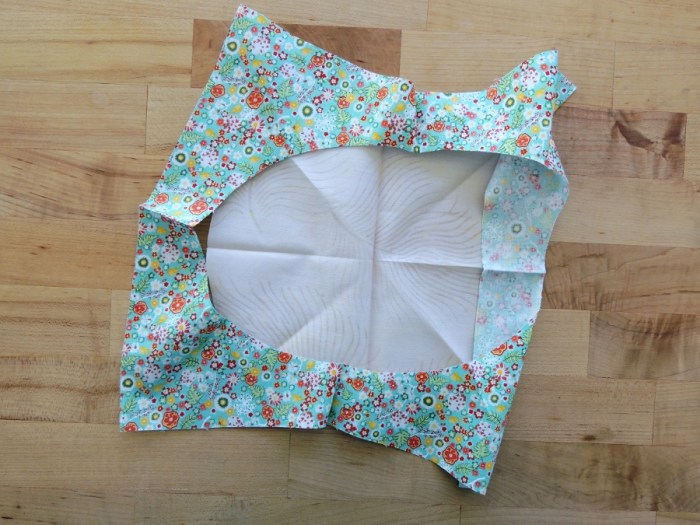 Sewing Full Circles: Flip Background Fabric To Align Cut Edges