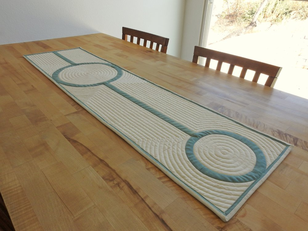 Crop Circles Table Runner {Design Bee Challenge}