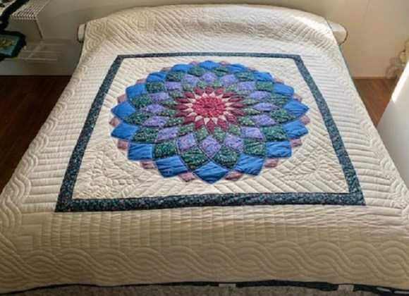 Giant Dhalia Quilt Pattern Free 4