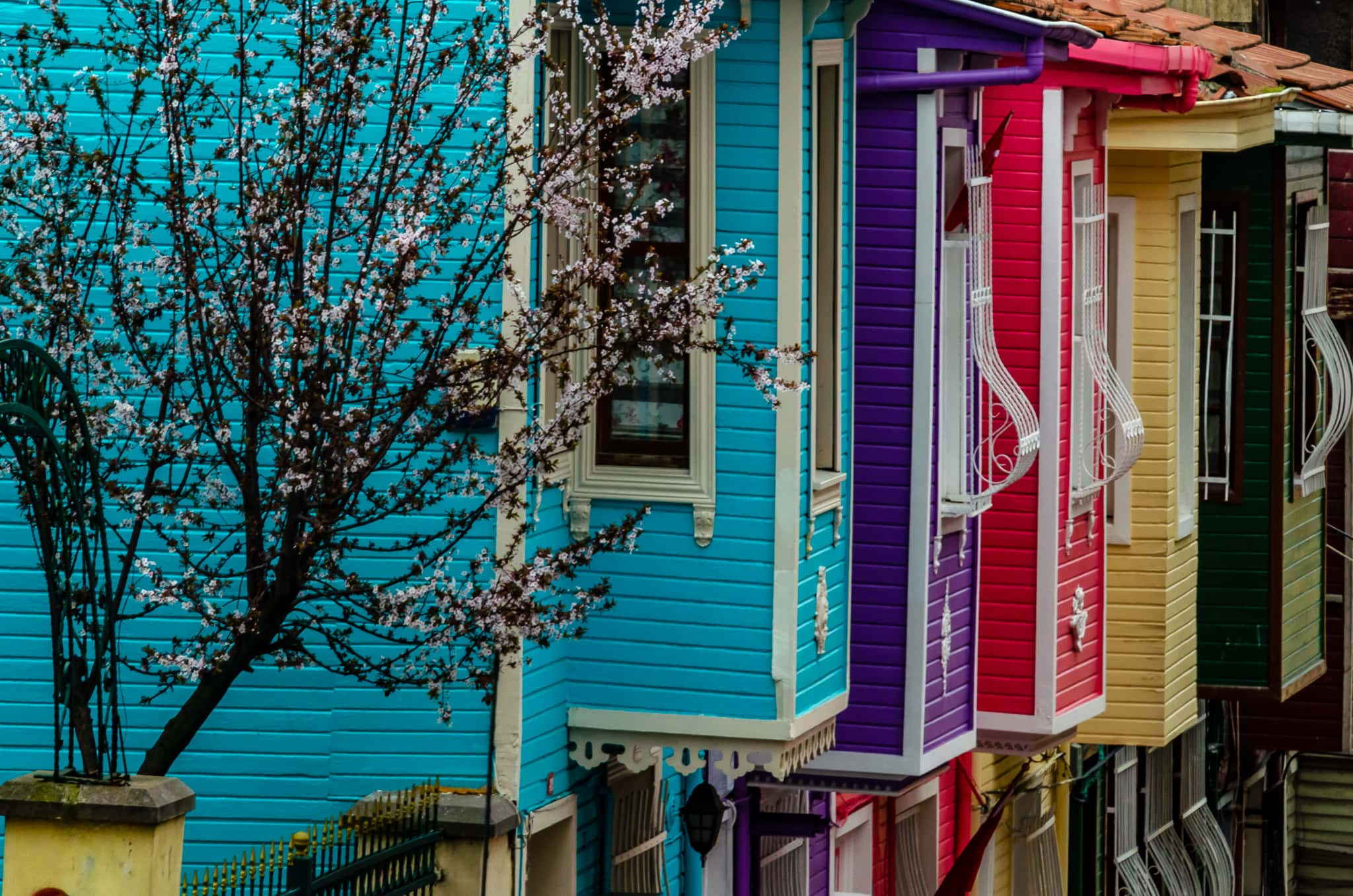 Colorful houses in Istanbul #istanbul #istanbulhouses