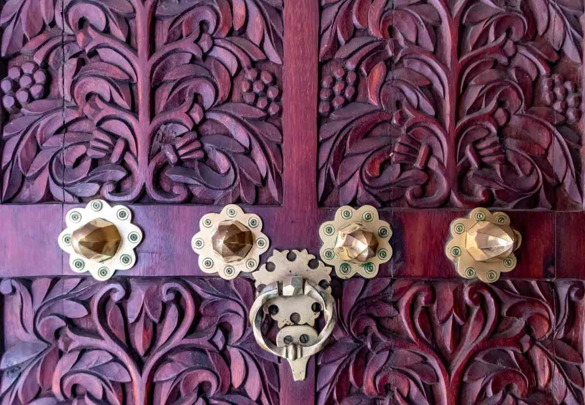 Discover the Famous Zanzibar Doors – Finding Craftsmanship Among the Kitsch