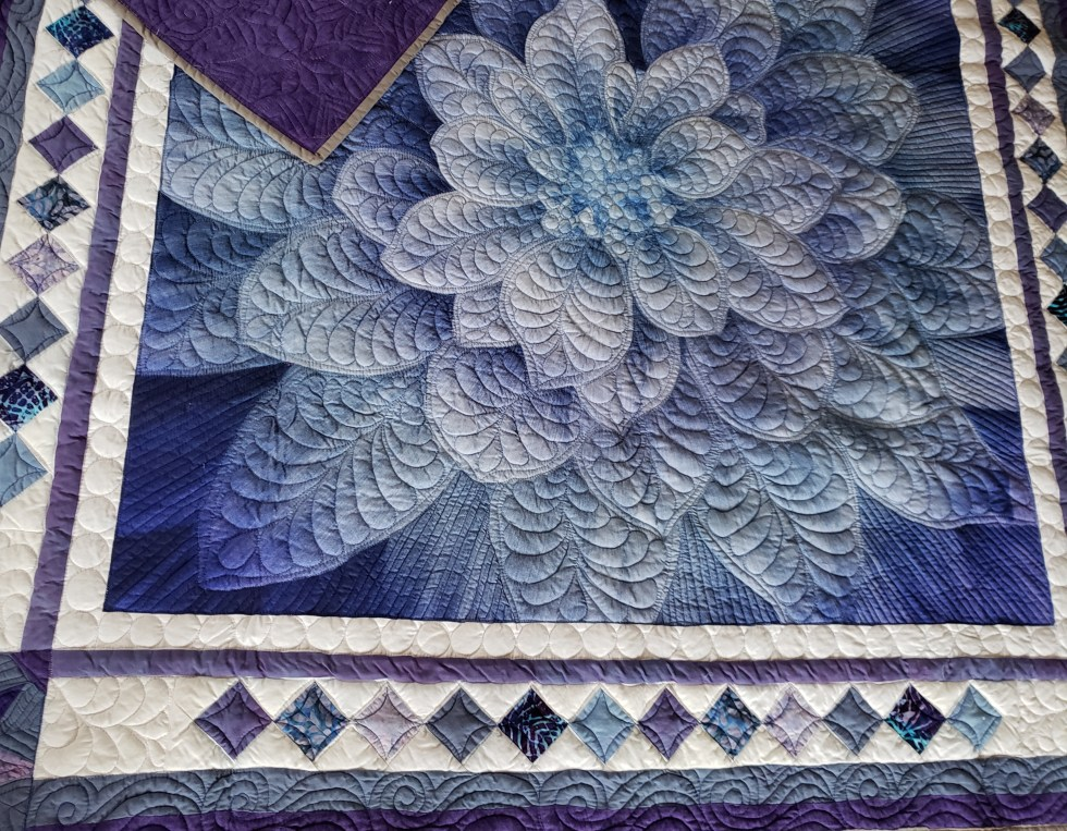 modern quilting, dream big flower quilt