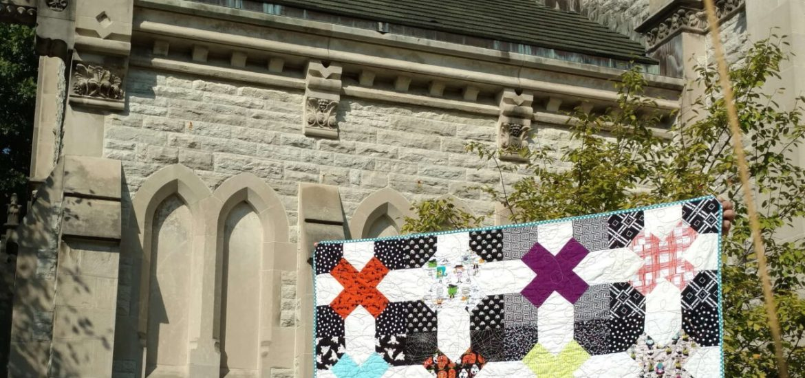 halloween quilt, tic tac toe block, blossom heart quilts blocks, modern quilt, bee quilt, bee blocks, halloween, spooky