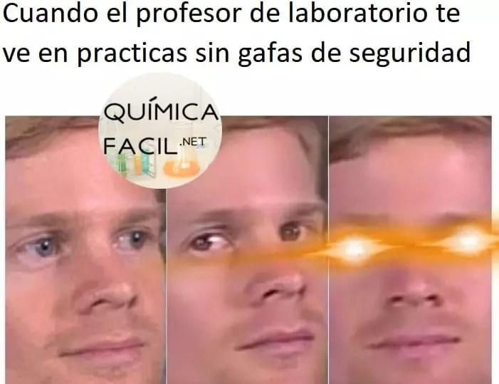 Los profesores de laboratorio siempre pendientes de la seguridad