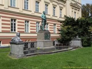 Monumento en la Universidad de Bonn