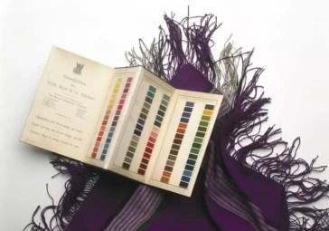 Un chal teñido con el tinte malva de Perkin. Crédito: Science & Society Picture Library/SSPL/SSPL via Getty Images