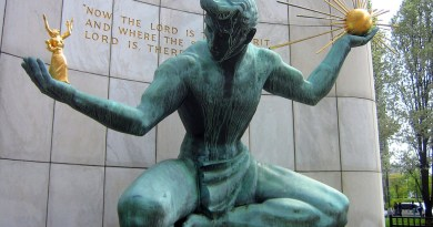 Verdigris en The Spirit of Detroit