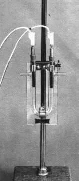 Imagen del montaje para la electrolisis de una solución de yoduro de potasio