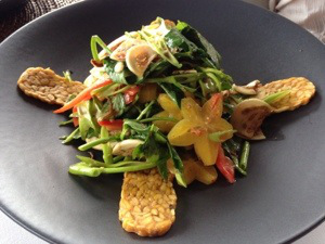 vegan cooking and eating in bali