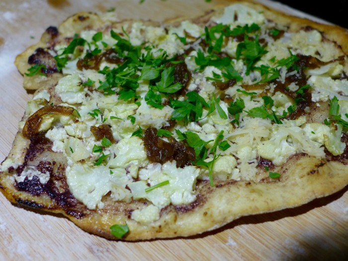 garlic oil, caramelised onion, cauliflower, olive tapenade and parsley pizza