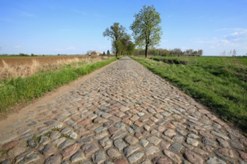 long driveway - interlocking pavers - quinju.com