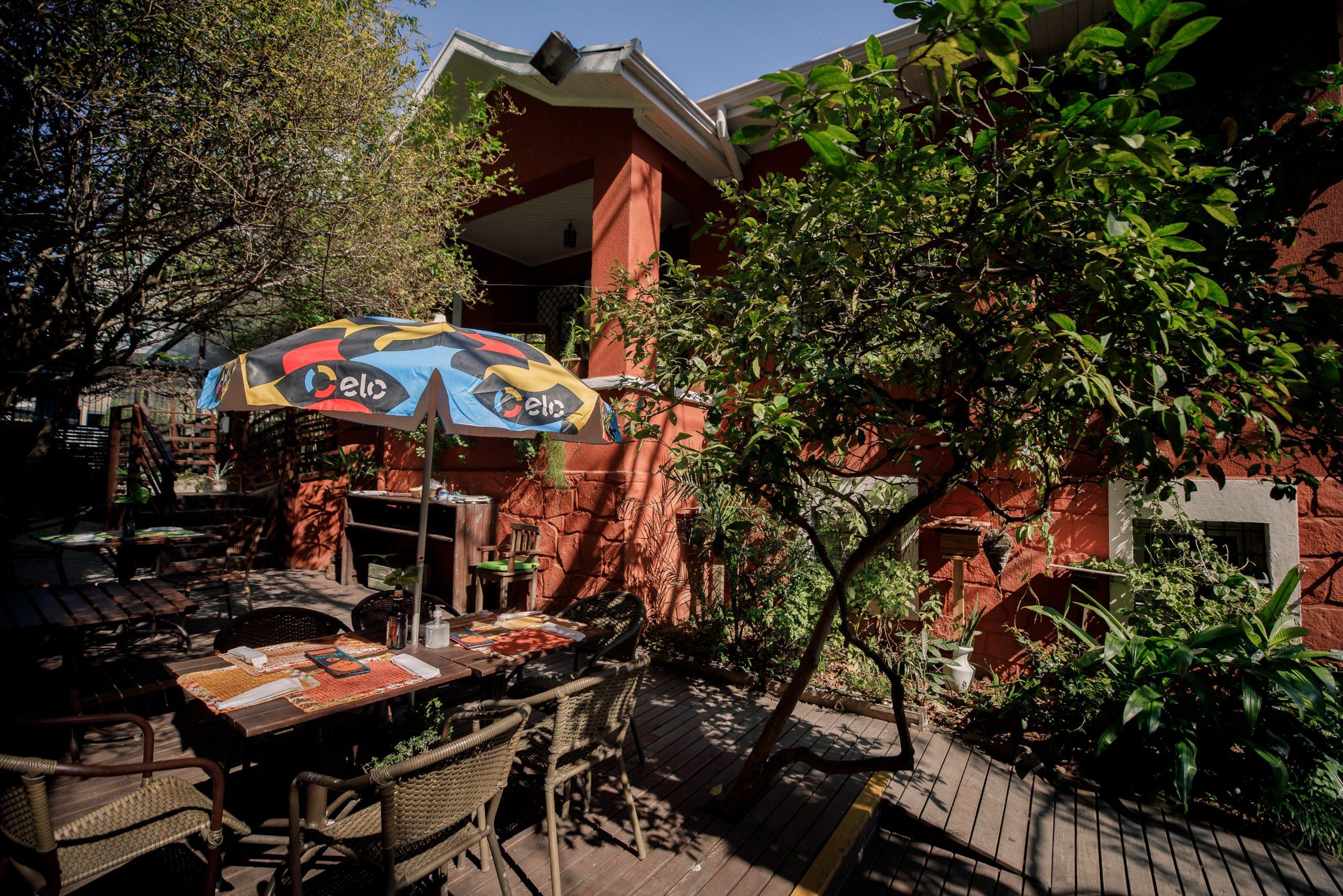 Jardim do restaurante Quintana Gastronomia em Curitiba