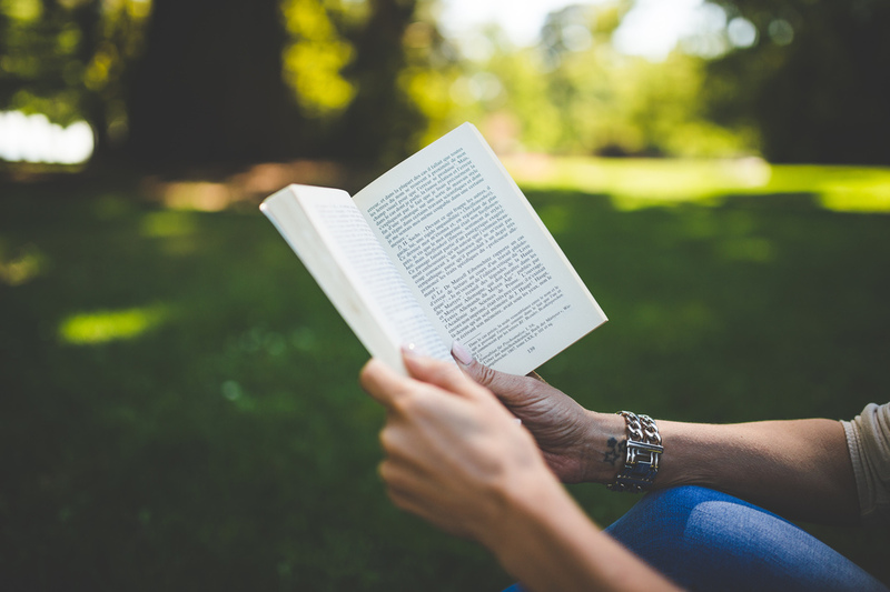 Tips Membaca Buku-Buku Filsafat dengan Mudah!