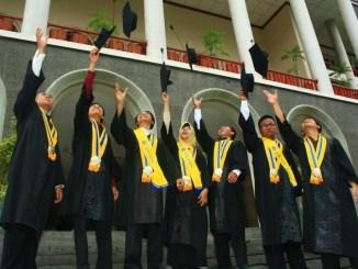 Bingung Gimana Mulai Meniti Karier Nanti? Simak Tips berdasarkan Alumni UGM ini!
