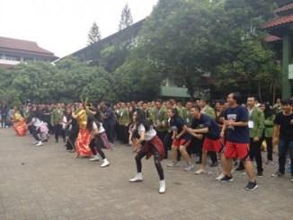 Seru-Seruan di Lapangan Utama dan Lapangan Limo UPN Veteran Jakarta