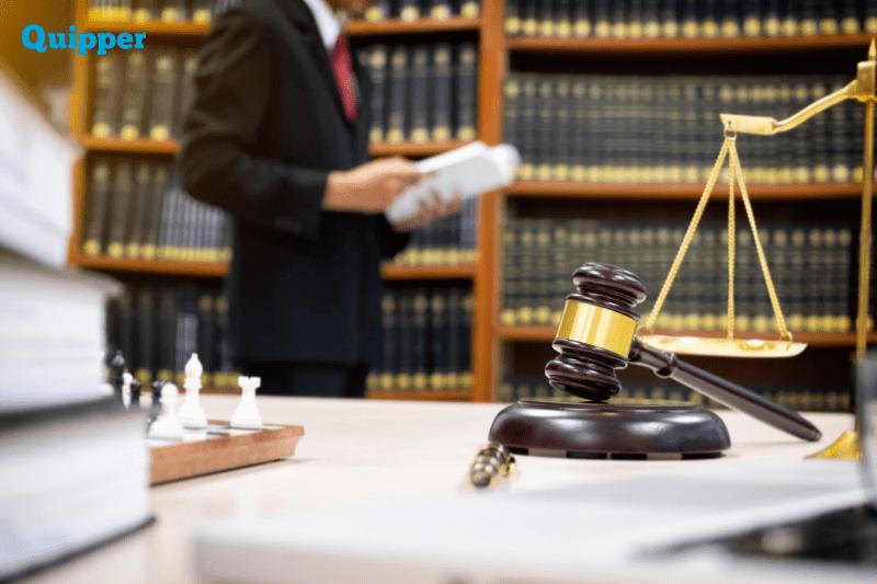 lulusan jurusan hukum