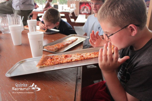 eating pizza, Bigger in Texas