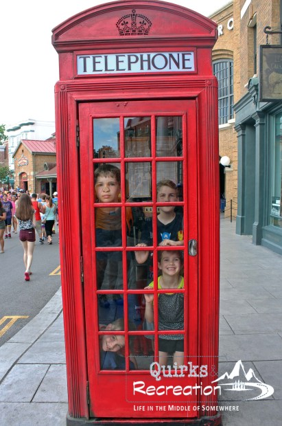red London telephone booth Universal Studios