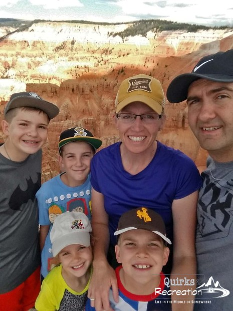 family of six selfie at Bryce Canyon National Park
