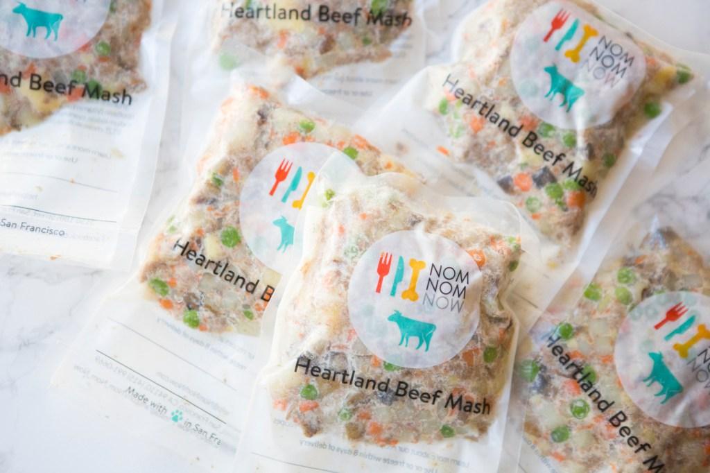 nom nom pet food packaging