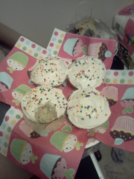 Cupcakes from new neighbors