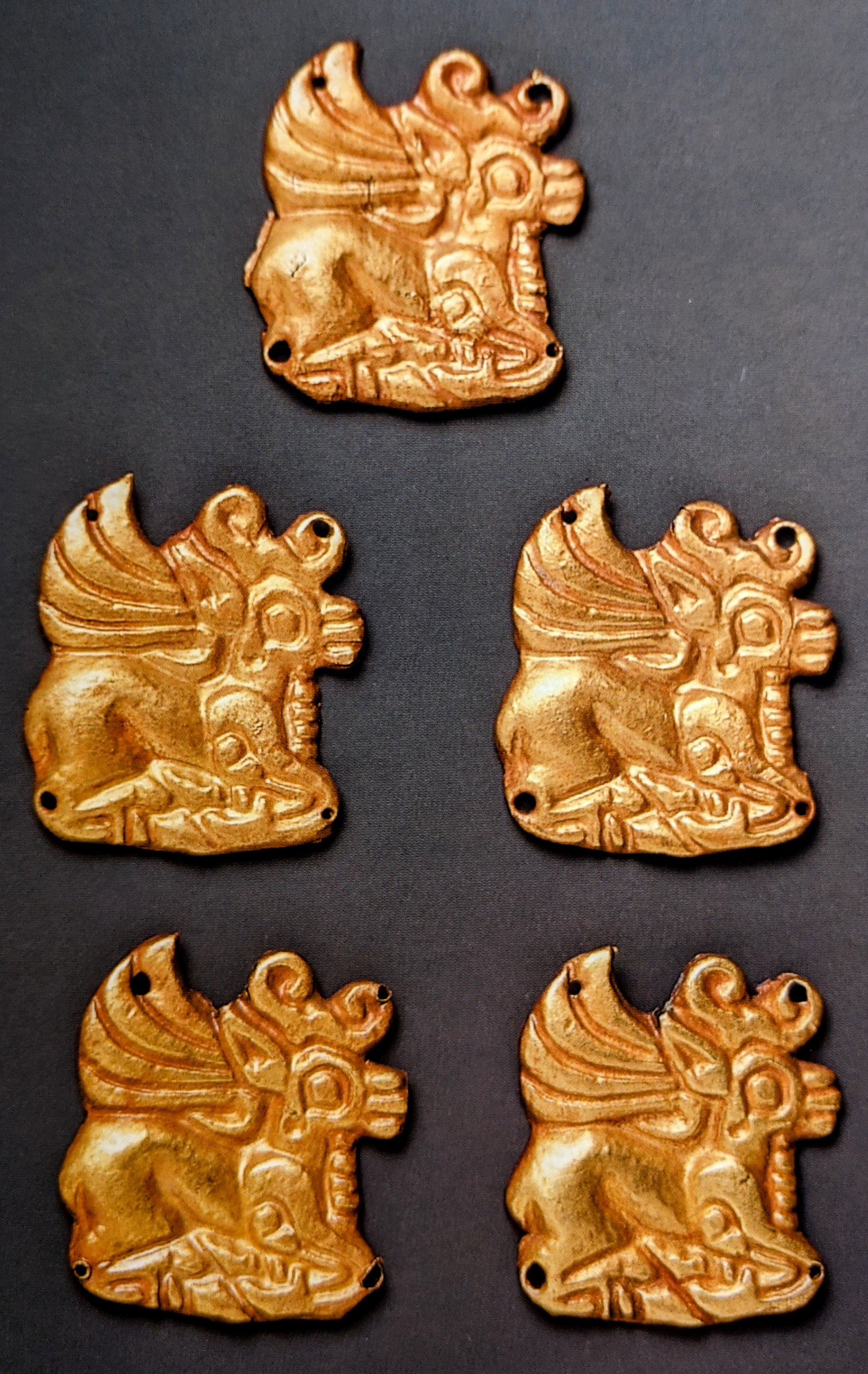 Stag shaped gold applique plaques