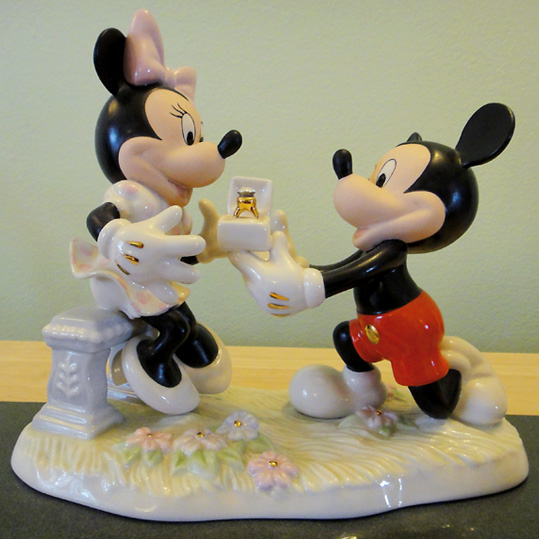 minnie-mickey-proposal