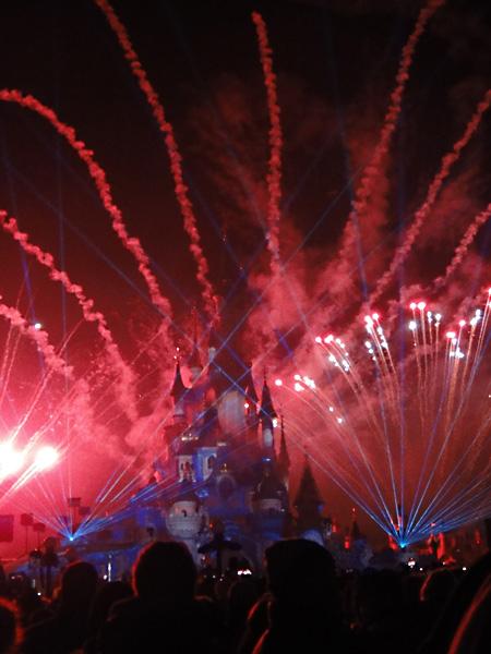 new-year-firework-display-disneyland-paris