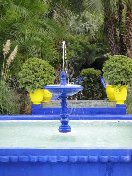 blue-fountains-in-jardin-majorelle