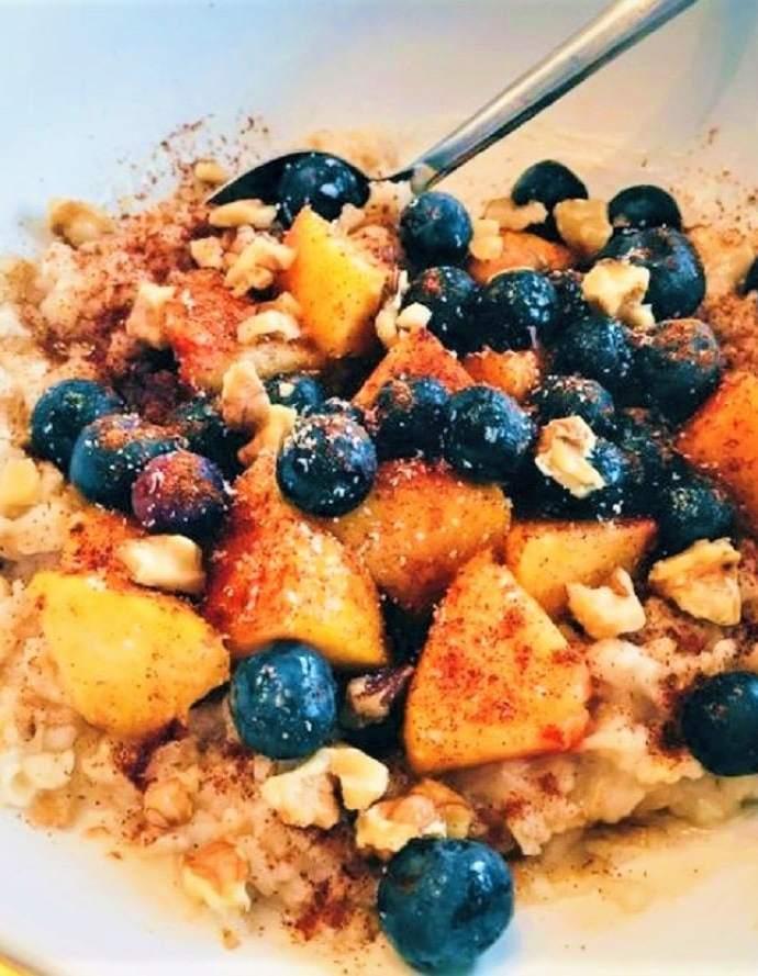 Peach & Blueberry Oatmeal