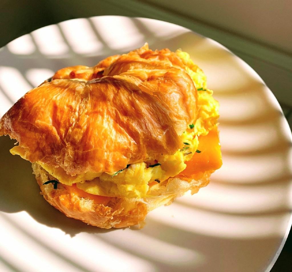 White Truffle Croissant Sandwich_topview_1600px