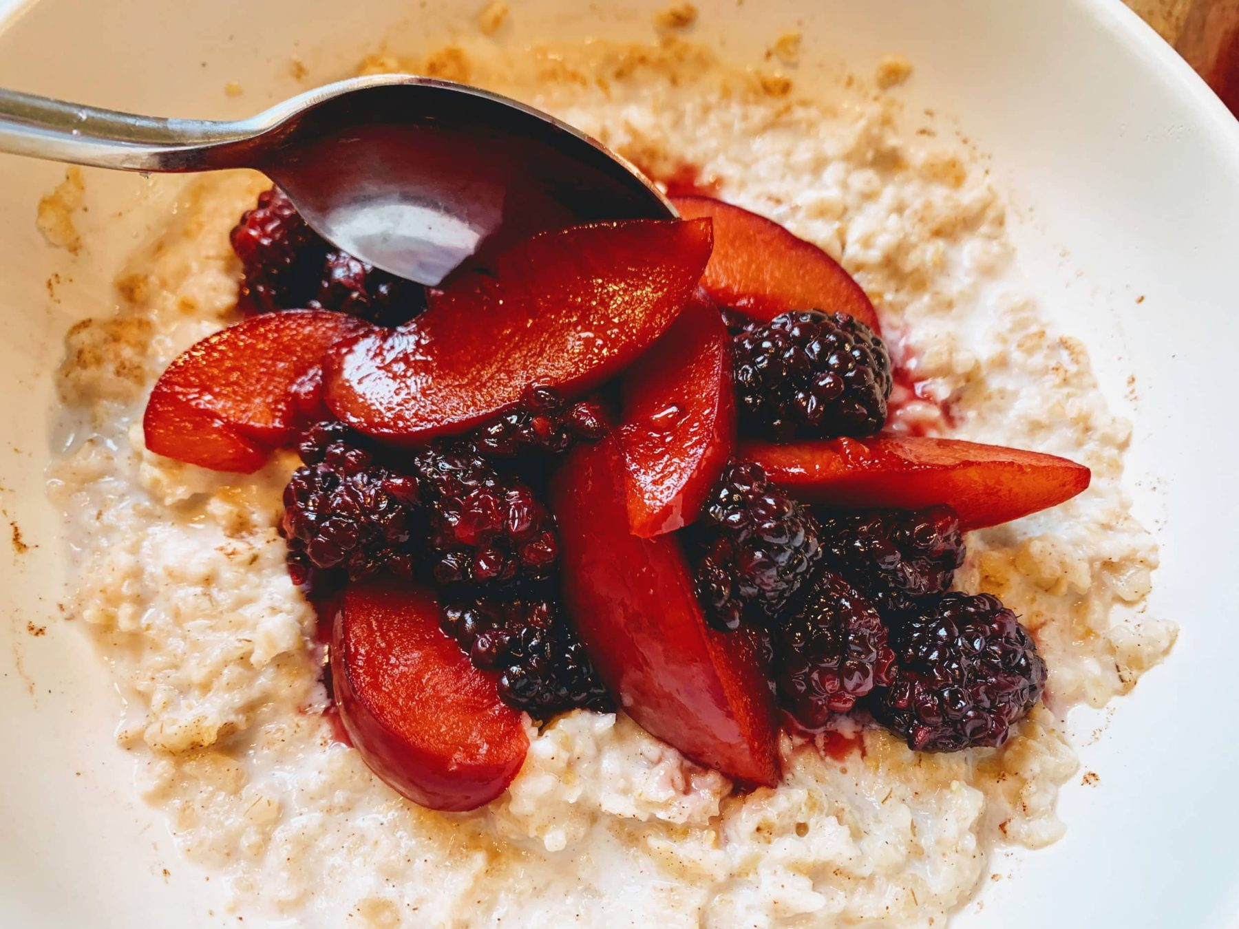 Blackberry Plum Oats_microwave put on oats